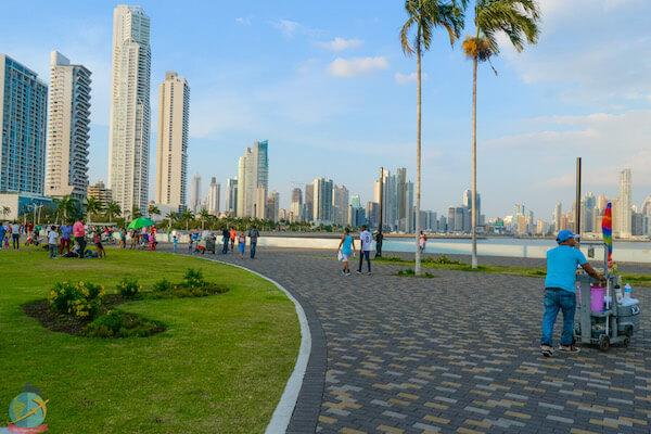 Tardes en la cinta costera, Panama guia vegana