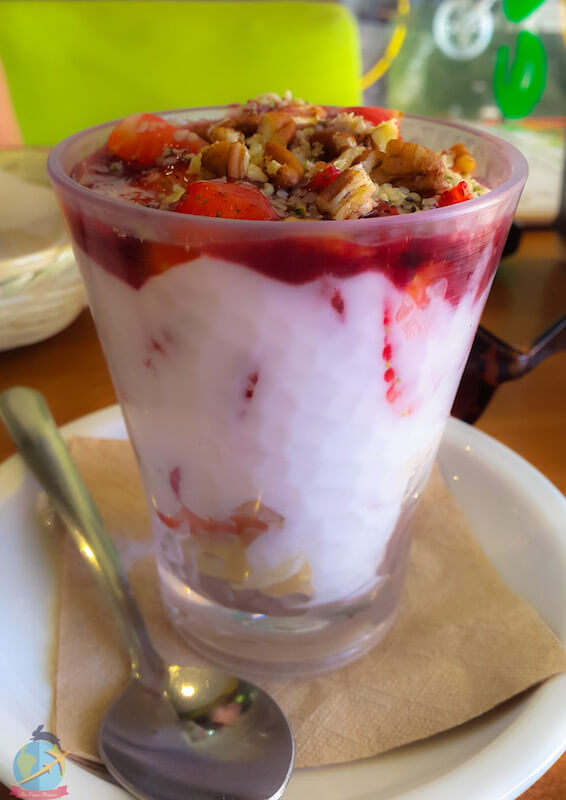Parfait con yogurt vegano- Bionatural-Playa del Carmen, Guia vegana de viajes