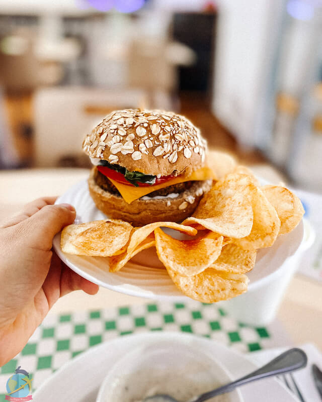 hamburguesa vegana sencilla. Veggie Queen Panama