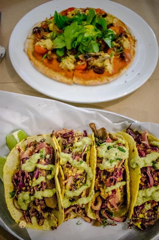 Tacos y pizza vegana en Bogota