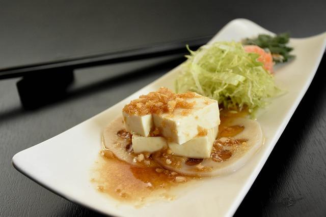 tofu con ensalada